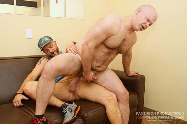 Wade Cashen Takes Sean Hunter's Fat Raw Cock