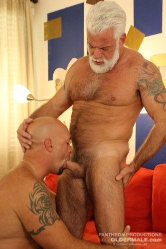 Sexy Silver Daddy Jake Marshall takes Valentino Fuentes' raw dick